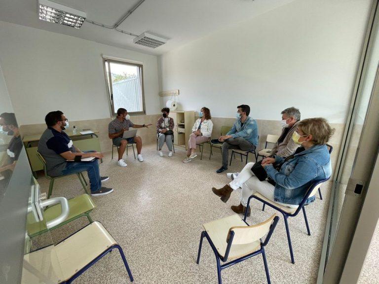 Representantes socialista s de municipios de la comarca se reúne con el CPEE Sanchis Banús para potenciar la inclusión de su alumnado.